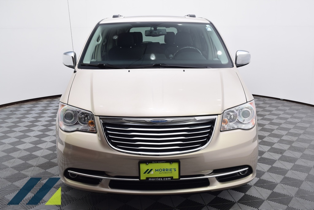 Pre-Owned 2015 Chrysler Town & Country Limited