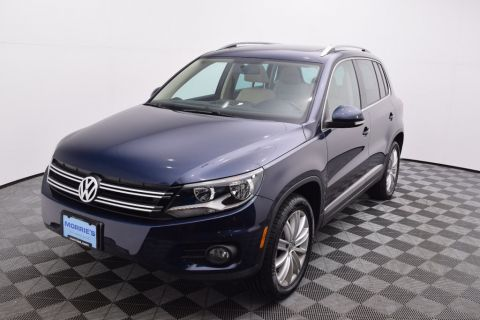 Pre-Owned 2012 Volkswagen Tiguan SE W/SUNROOF & NA